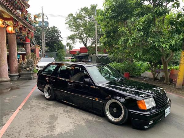 W124 (1).JPG