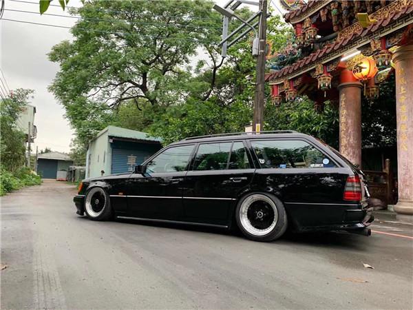W124 (7).JPG
