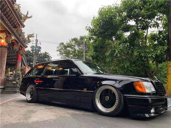 W124 (9).JPG