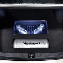 丰田锐志气动避震升级 绞牙避震升级气动避震 气动避震后备箱造型 锐志后备箱造型美化