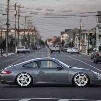 997无愧于保时捷911家族中的销量之王 搭配空气避震 帅到怀疑人生