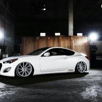 Hyundai Genesis改装气动悬挂玩姿态  姿态翩翩