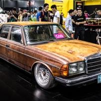 经典的传承 这辆全球只有828辆的老奔驰W123 如今价值连城