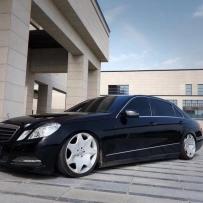 奔驰E260气动避震低姿态改装分享 Hellaflush风格魅力体现