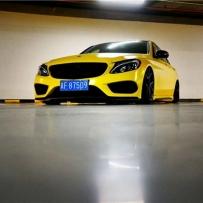 地下停车场的绝美拍摄 靓丽的奔驰C级W205空气避震精彩低趴范